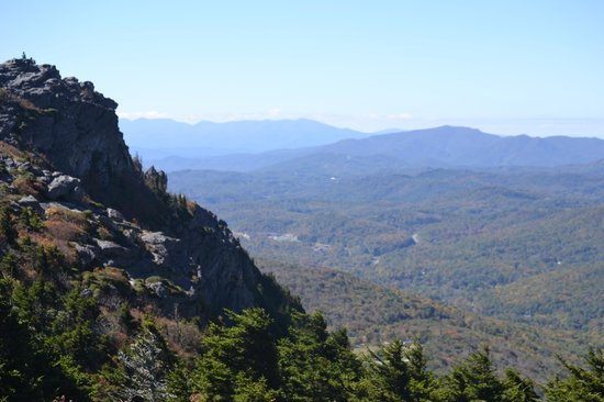 Grandfather Mountain Overlook: taken from mountain top