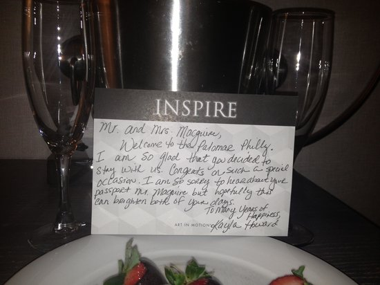 Kimpton Hotel Palomar Philadelphia: Our lovely note waiting for us in our room!
