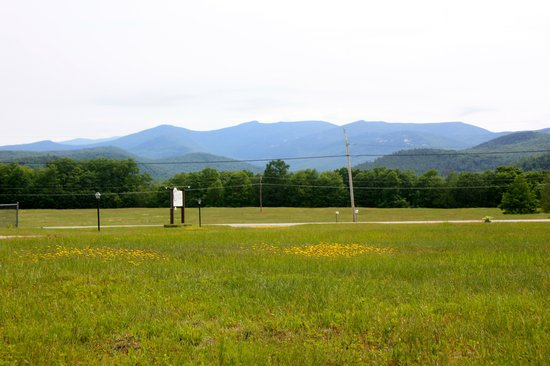 Valley Brook Cottages : View of mountains from cabins