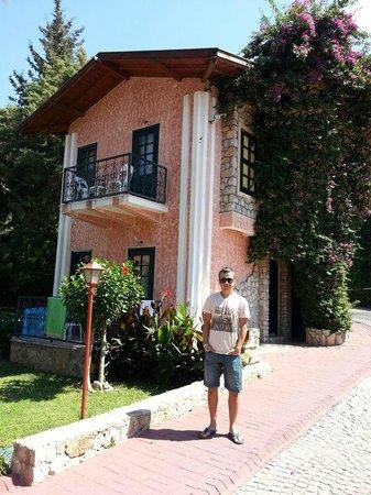 NOA Hotels Oludeniz Resort Hotel : Taş evler