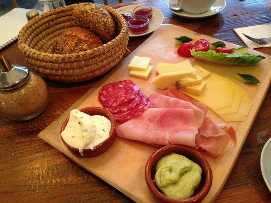 KRONE, kitchen & coffee : Frühstück für 2
