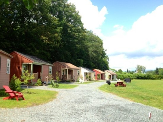 Valley Brook Cottages: Cabins