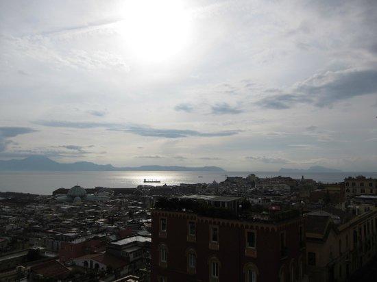 Hotel San Francesco al Monte: Blick Richtung Capri