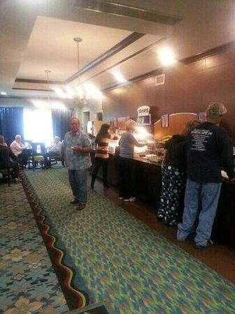 Holiday Inn Express Stroudsburg - Poconos: breakfast bar