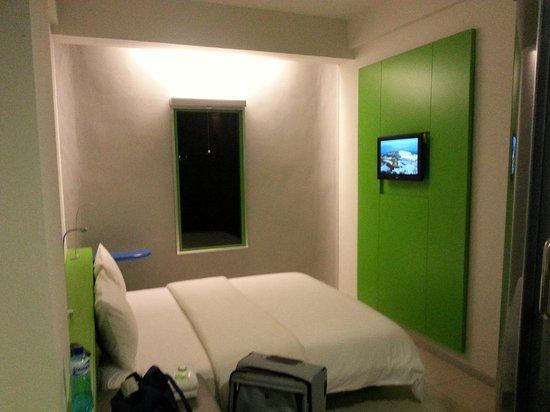 POP! Hotel Airport Jakarta: Room