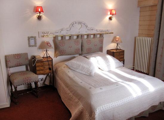 Hôtel Restaurant l'Aubergade : chambre
