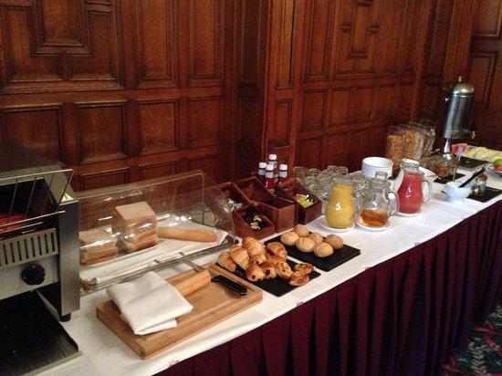 Mercure Burton Upon Trent Newton Park: breakfast buffett