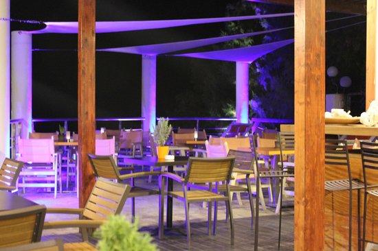 Tsamis Zante : Bar area at night