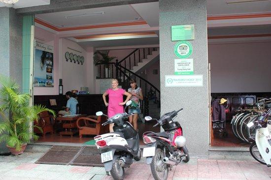 Truong Giang hotel: .