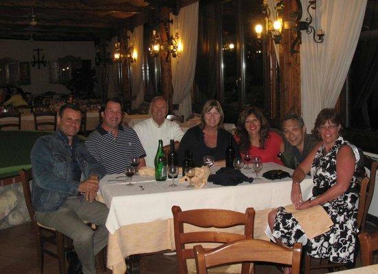 Villa Monica B&B: Dinner with new friends