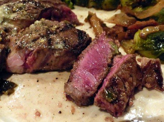 Mantel Wine Bar & Bistro: Beautiful Ribeye steak