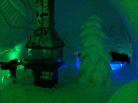 Hotel de Glace: one of the themed rooms