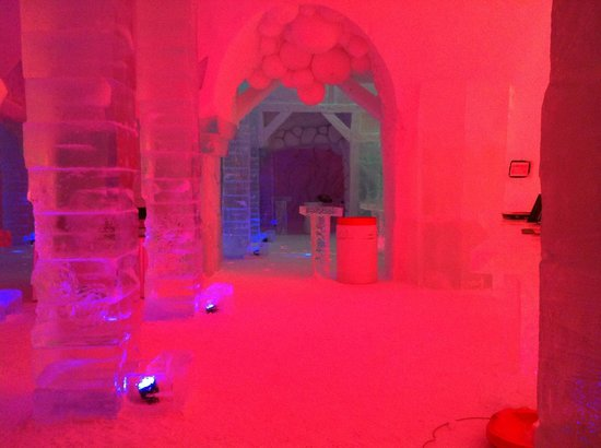 Hotel de Glace: throughout the complex
