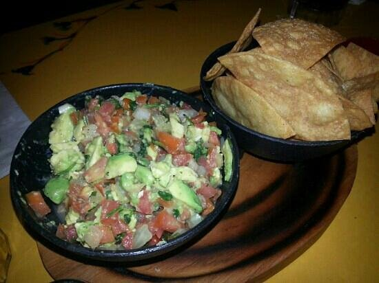 Mi Casa Restaurant: Guacamole and Chips