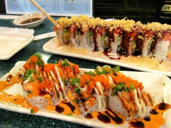 Sushi Mon: couple of specialty rolls