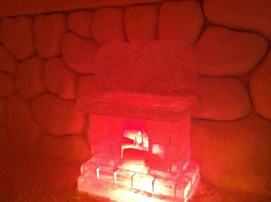 Hotel de Glace: one of the themed suites