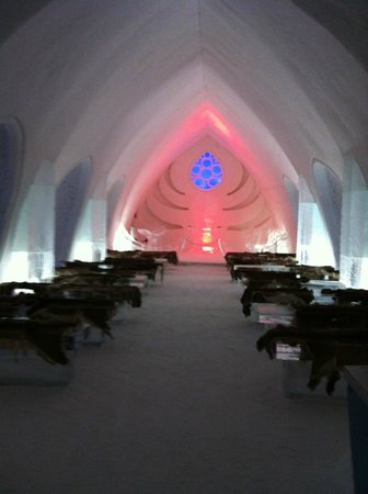 Hotel de Glace: cathedrale