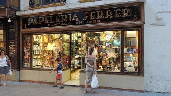 Calle Sierpes: negozi