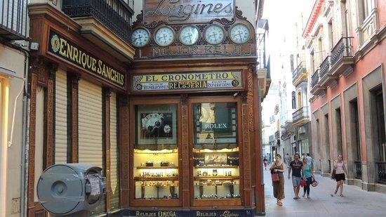Calle Sierpes: negozio Longines