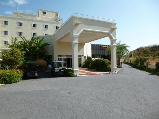 Vuni Palace Hotel: Hoteleingang