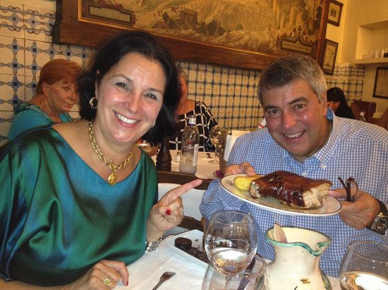 HOTEL OPERA : Enjoying a sumptuous, delicious dinner at El Botin - A suckling Pig!