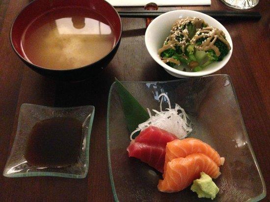 Hazuki Japanese Restaurant: Miso, sashimi and chef's special