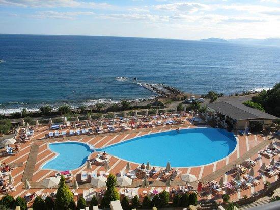 Blue Marine Resort & Spa: Main swimming pool