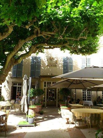 Hotel d'Europe : ホテルの中庭