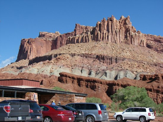 ‪Capitol Reef National Park Visitor Center‬