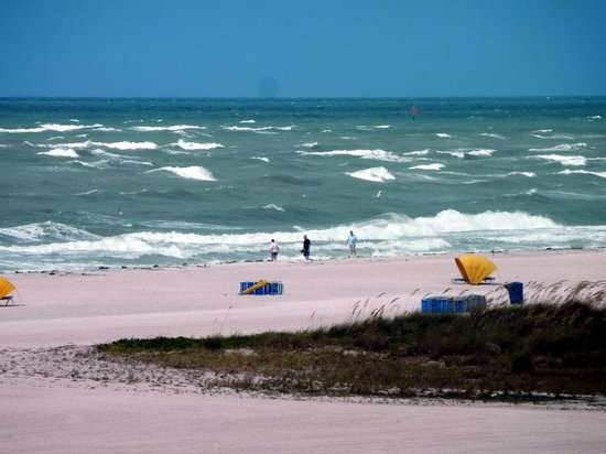 Bilmar Beach Resort: Hgh surf