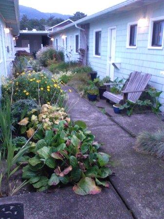 Spindrift Inn : Inner garden