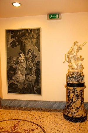 Villa d'Este: Gorgeous artwork