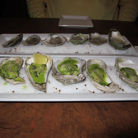 Little Louis' Oyster Bar: Oysters