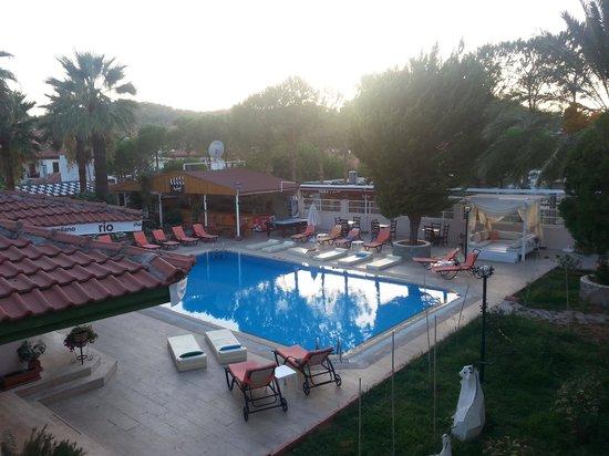 Vento Boutique Hotel : vento pool and bar
