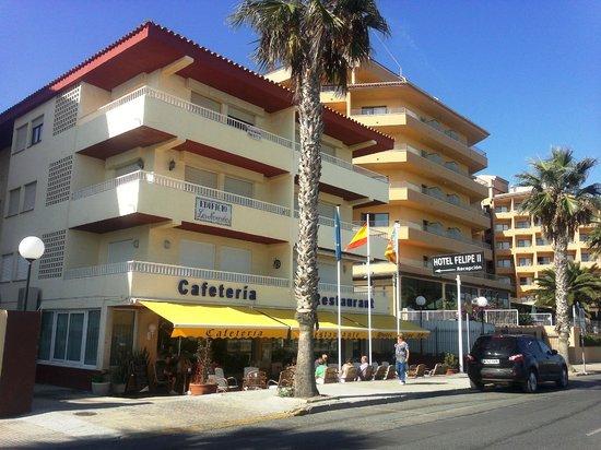 Hotel Felipe II: El hotel es el de la planta baja