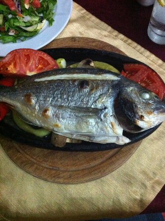 Cool Breeze Restaurant: Grilled fish