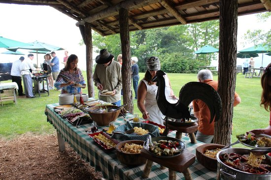 The Swag: Amazing Wednesday picnic lunch