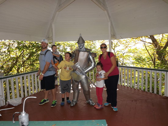 Beech Mountain, Carolina do Norte: Yellow Brick Road Characters