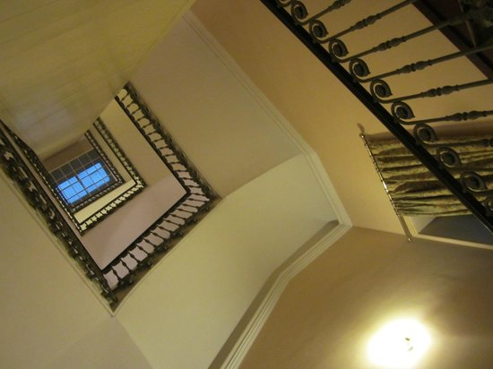 Tiziano Hotel : Stairwell