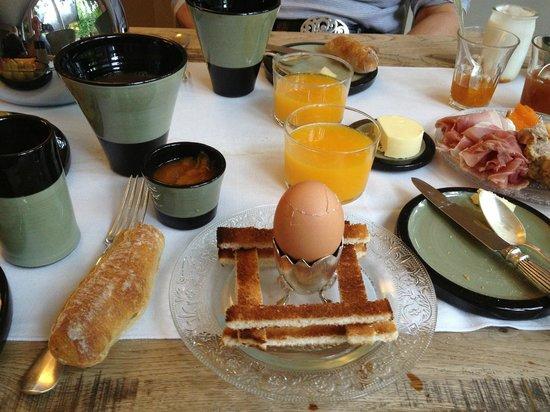 Auberge du Paradis: Amazing breakfast!