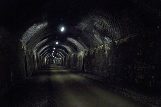 Derbyshire Heritage Walks - Day Tours: Inside Headstone Tunnel on the Monsal Trail