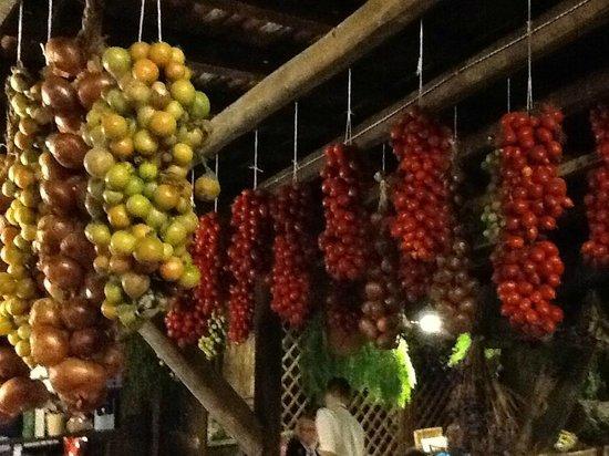 Agriturismo Fattoria Terranova - Zero Km Restaurant: drying fruits and vegetables