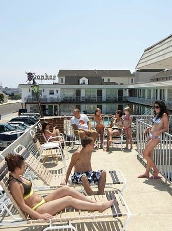Ivanhoe Motel and Apartments : Patio