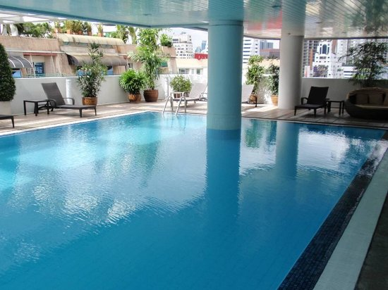 Phachara Suites 8th floor pool