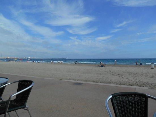 Ann's Beach Bar: view from ann's bar