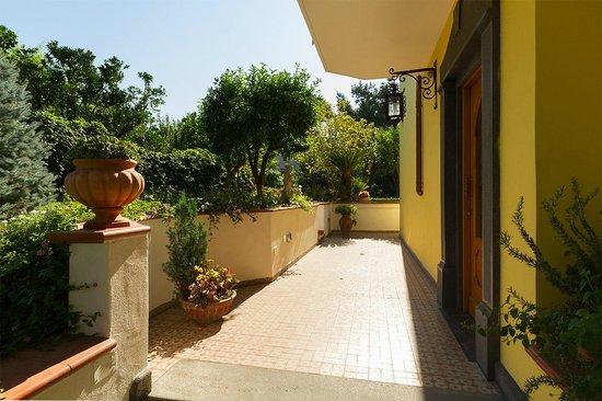 Bed and Breakfast Massico: Ingresso giardino