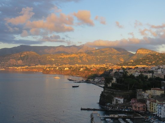 Hotel Belair: Sorrento at sunset from our balcony