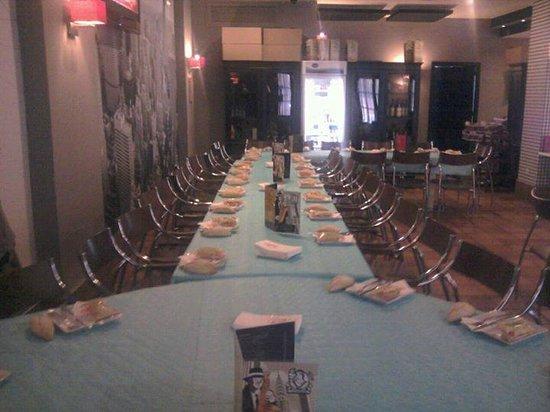 Trattoría Filomena: Mesa para comidas en grupo
