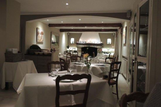 La Verdoyante: Salle principale du restaurant