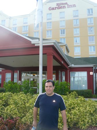 Hilton Garden Inn Orlando at SeaWorld: frente do hotel
